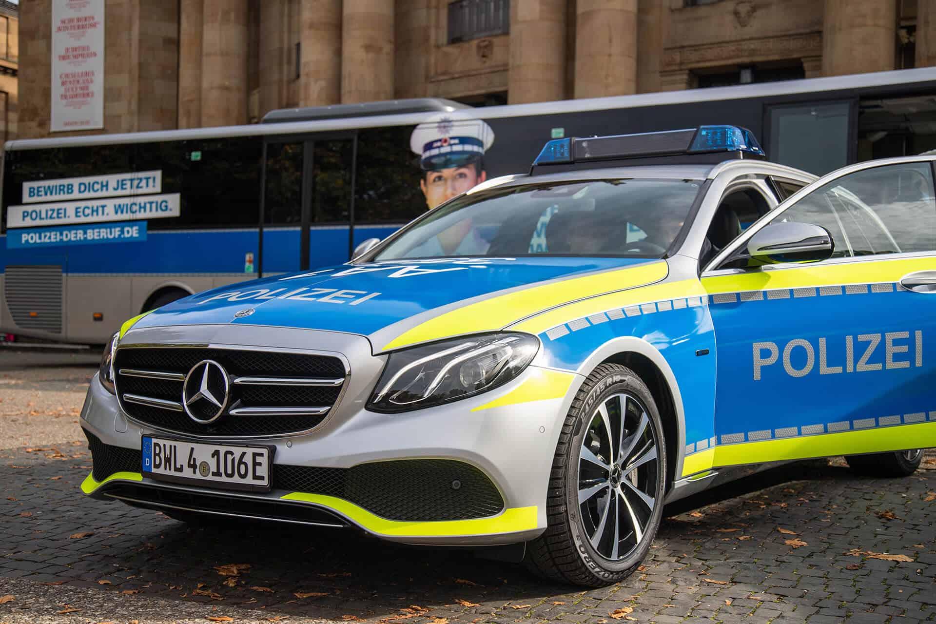 E-Hybrid Streifenwagen der Polizei BW